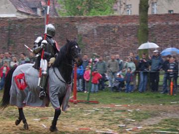 FESTYN RYCERSKI Byczyna Maj 2007 (217).jpeg