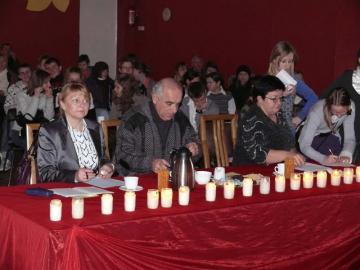 Jury XV turnieju Recytatorskiego od lewej Maria Żurek Wiesław Sierpiński Joanna Gawlita.jpeg